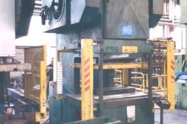 200 t NUOVA OMEC  <br />Model: AC 200-PR9